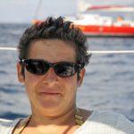 Croisière en Corse Août  Pose devant Laisse Dire